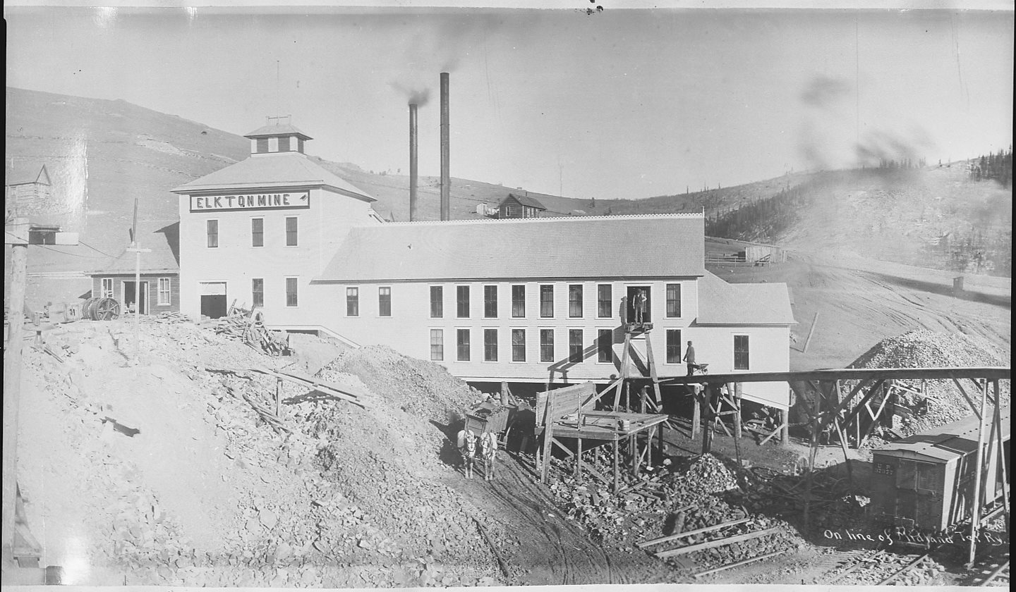 On Line of Midland Ter. Ry., Raven Hill & Mines [Panorama no. 2; Middle]